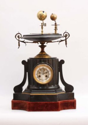 Een Zeldzame Franse Pendule Met Planetarium, Circa 1860
