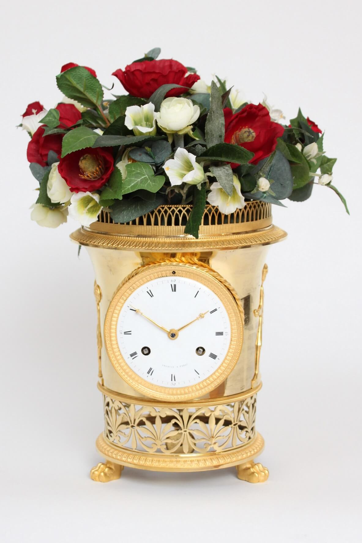 French-gilt-bronze-ormolu-urn-mantel-antique-clock-Empire