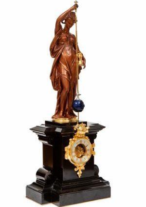 Een Fraaie Franse Bronzen Figuratieve Pendule Met Conische Slinger, Farcot En Laurent, Circa 1870