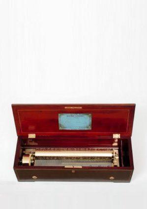 Een Zwitserse Nicole Frères Palissander Cilinder Speeldoos Met Aria's Van Mozart, Circa 1860.