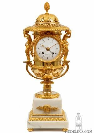 French-empire-gilt-bronze-ormolu-urn-striking-mantel-antique-clock-thomire-medici-paris